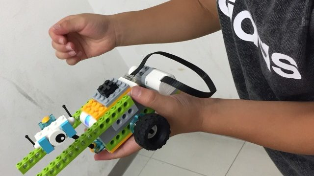 プログラミング用ロボット